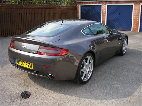 Valeting service for Aston Martin Vantage